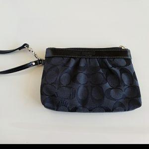 Coach wrislet wallet